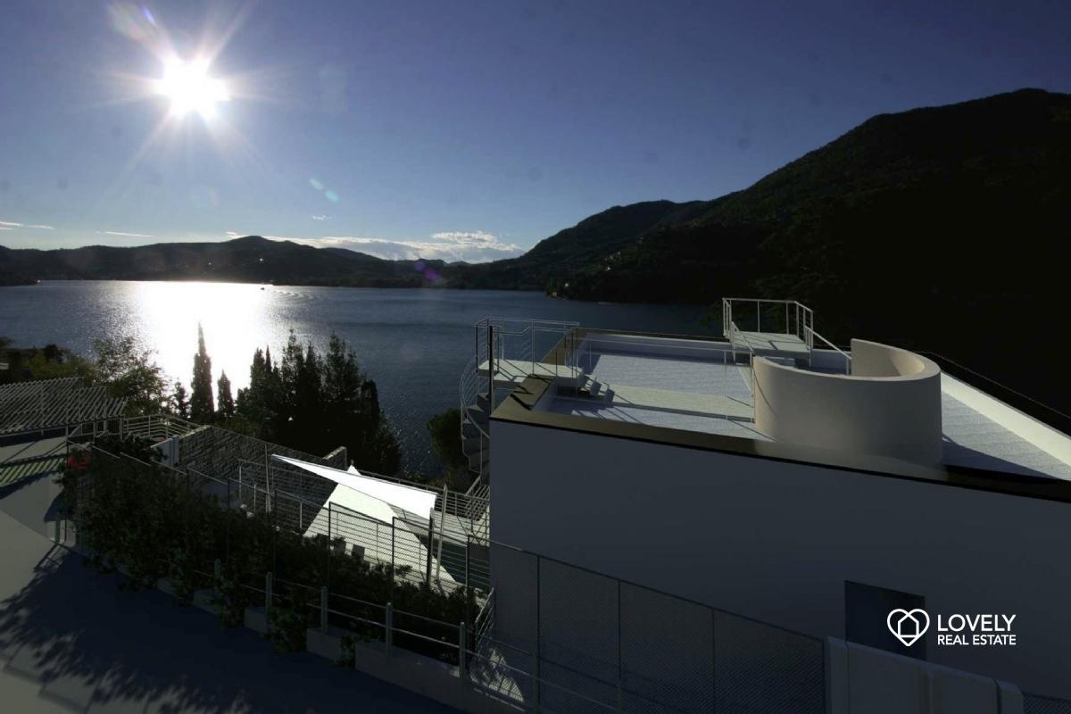 Vendita villa como villa nuova costruzione vista lago for Planimetrie vista lago