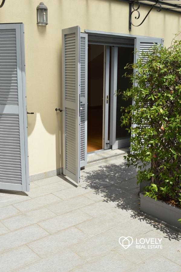 Beautiful Bilocale Con Terrazzo Milano Contemporary - Design Trends ...