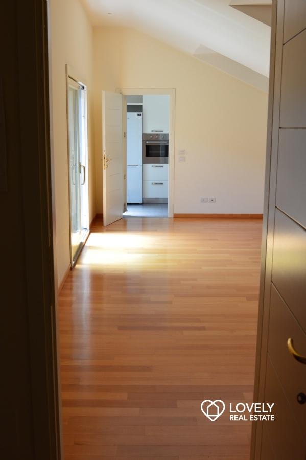 Affitto appartamento milano splendido appartamento ultimo piano con terrazzo localit cadorna - 2 camere cucina terrazzo torino ...