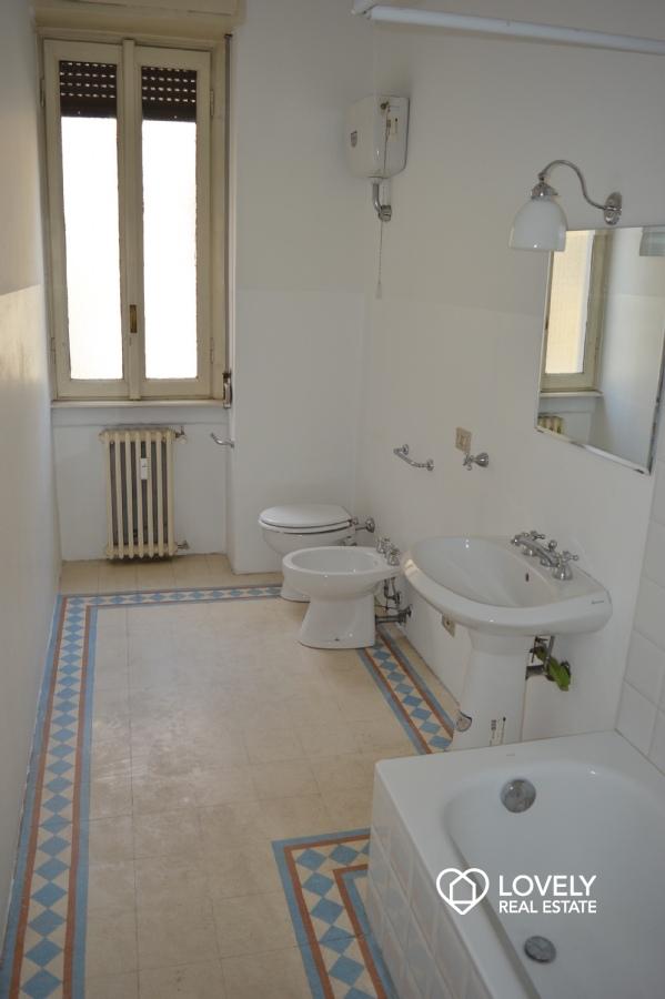 Affitto appartamento milano trilocale doppia esposizione for Esposizione bagni milano