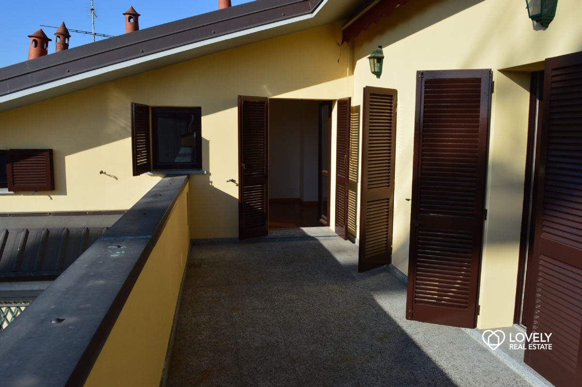 Rent Apartment Milano - BEAUTIFUL ATTIC WITH TERRACE Locality Buenos ...