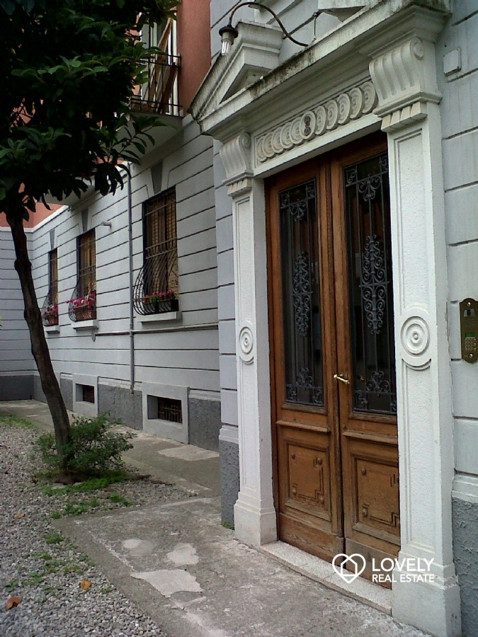 Affitto appartamento milano mansardina romantica citta for Affitto appartamento arredato milano