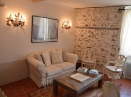 APARTMENT PROVENCAL STYLE