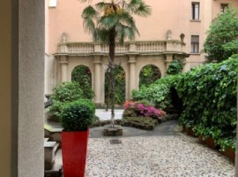 OFFICE/PIED A TERRE - MONTANAPOLEONE